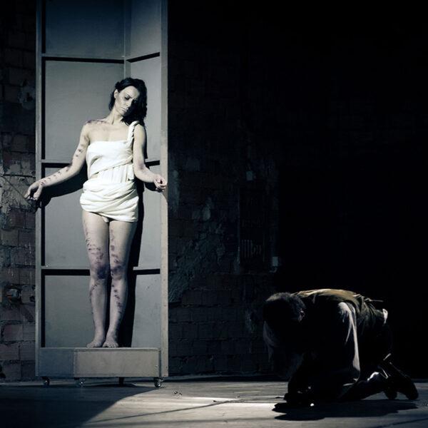 Foto dello spettacolo Frankenstein con Federico Zanandrea. Spettacolo prodotto da il Mecenate.